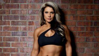 Kaitlyn posa en fotos para WWE