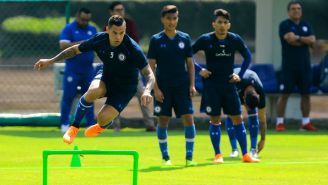 Milton Caraglio, durante el entrenamiento con Cruz Azul