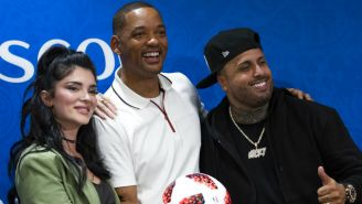 Era Istrefi, Will Smith y Nicky Jam sonríen en conferencia de prensa