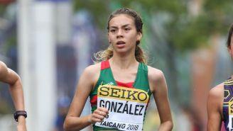 La marchista Alegna González, en plena competencia