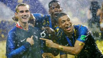 Griezmann, con la nueva playera de Francia