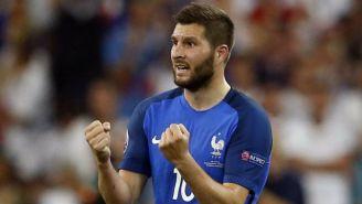 Gignac en un juego con la selección de Francia