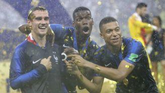 Griezmann, Pogba y Mbappé festejan tras el título en Rusia 2018