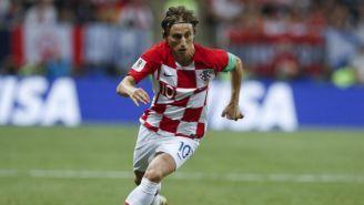 Modric conduce el balón en la Final de Rusia 2018