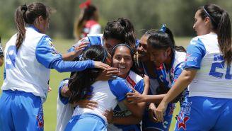 Puebla celebra su primer victoria en la Liga MX Femenil