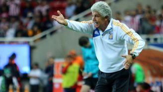 Ricardo Ferretti en un juego de Tigres