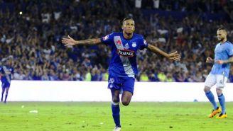 Ayrton Preciado festeja un gol con Emelec
