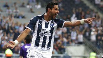 Jorge Benítez festeja un gol con Rayados