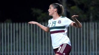 Katlyn Johnson festeja un gol contra Nicaragua