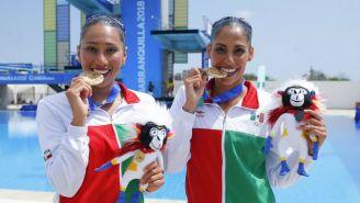 Karen Achach y Nuria Diosdado, con sus medallas de Oro de JCC