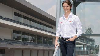 Esteban Gutiérrez posa como embajador del GP