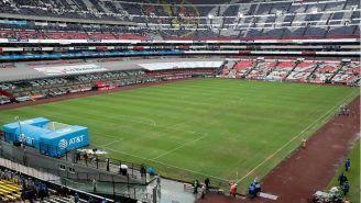 La cancha del Estadio Azteca sigue en malas condiciones