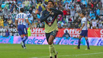 Cecilio Domínguez festeja anotación contra Pachuca en el Estadio Hidalgo