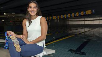 Fernanda González posa con sus medallas de JCC