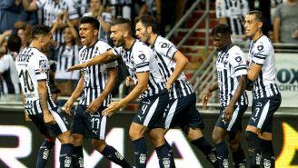 Monterrey festeja gol de Nicolás Sánchez frente a Gallos