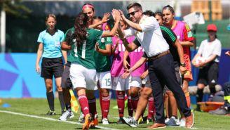 Lizbeth Ovalle celebra gol