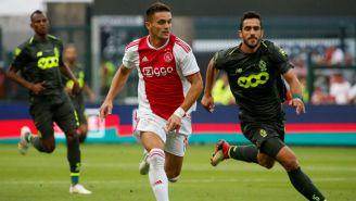 Laifis y Tadic disputan el balón durante un partido