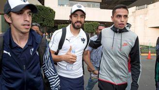 Pizarro sonríe a su llegada a la CDMX