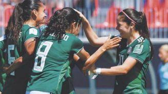 Jugadoras de México celebran una anotación durante el Mundial Femenil sub 20