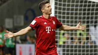 Lewandowski celebra un gol en la Supercopa alemana