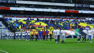 Jugadores de Cruz Azul y Atlético Zacatepec saltan al campo