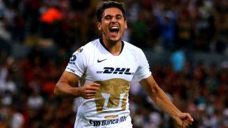 Kevin Escamilla festeja gol con Pumas