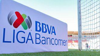 Logo de la Liga MX, durante un partido del Apertura 2018
