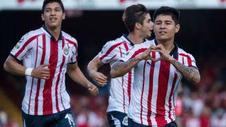 La 'Chofis' y sus compañeros celebran segundo gol de Chivas