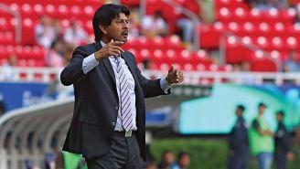 José Cardozo en un partido de Chivas