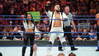 Andrade 'Cien' Almas antes de una lucha en SmackDown