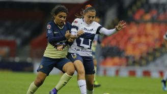Betzy Cuevas y Nancy Zaragoza durante un partido