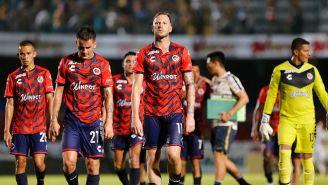 Jugadores de Veracruz se lamentan en el Luis 'Pirata' Fuente