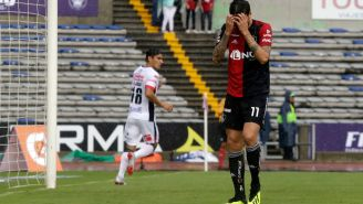 Álvarez lamenta una falla durante el duelo contra Lobos