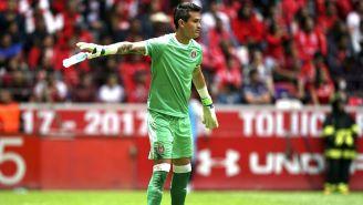 Raúl Gudiño en duelo contra Toluca