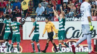 Furch celebra con alegría su gol frente a los Xolos