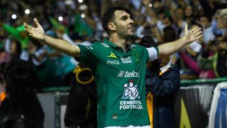 Mauro Boselli festeja su gol contra América