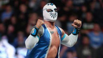 Sin Cara antes de una lucha en WWE