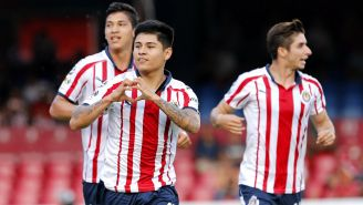 Chivas festeja gol contra Veracruz en la J5