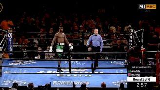 Curtis Harper abandona el ring tras sonar la campana