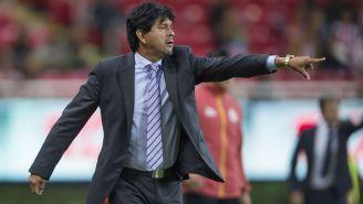 Cardozo da indicaciones en el juego de Chivas ante Necaxa