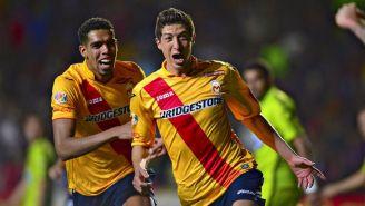 Marco Antonio Palacios festejando un gol con Monarcas