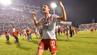 Franco Soldano celebra una anotación con el Atlético Unión