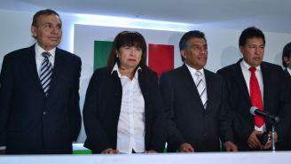 Effy Sánchez y presidentes de federaciones nacionales en conferencia