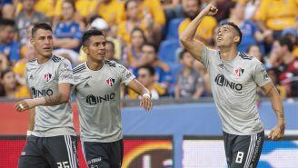 Andrés Andrade festeja gol contra Tigres