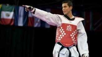 Steven López festeja victoria tras un combate en Beijing 2008