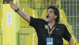 Maradona dirige un partido del Al-Wasl