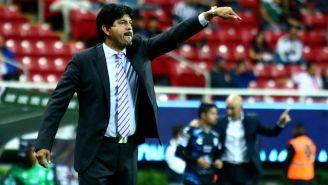 José Saturnino Cardozo, durante un juego de Chivas