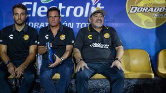 Maradona, en la banca del Estadio Banorte
