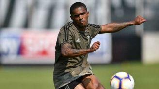 Douglas Costa, en un entrenamiento con la Juventus