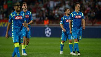 Jugadores del Nápoles muestran decepción tran igualar con Estrella Roja